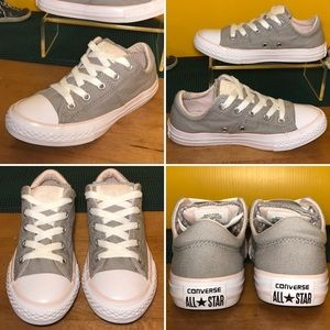 Girls CONVERSE ⭐️ All Star low Top Sneakers Size 1
